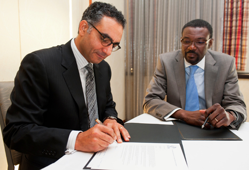 Agreement Signed by ICANN and the Africa Network Information Center (AFRINIC) to Expand L-Root Servers Across Africa