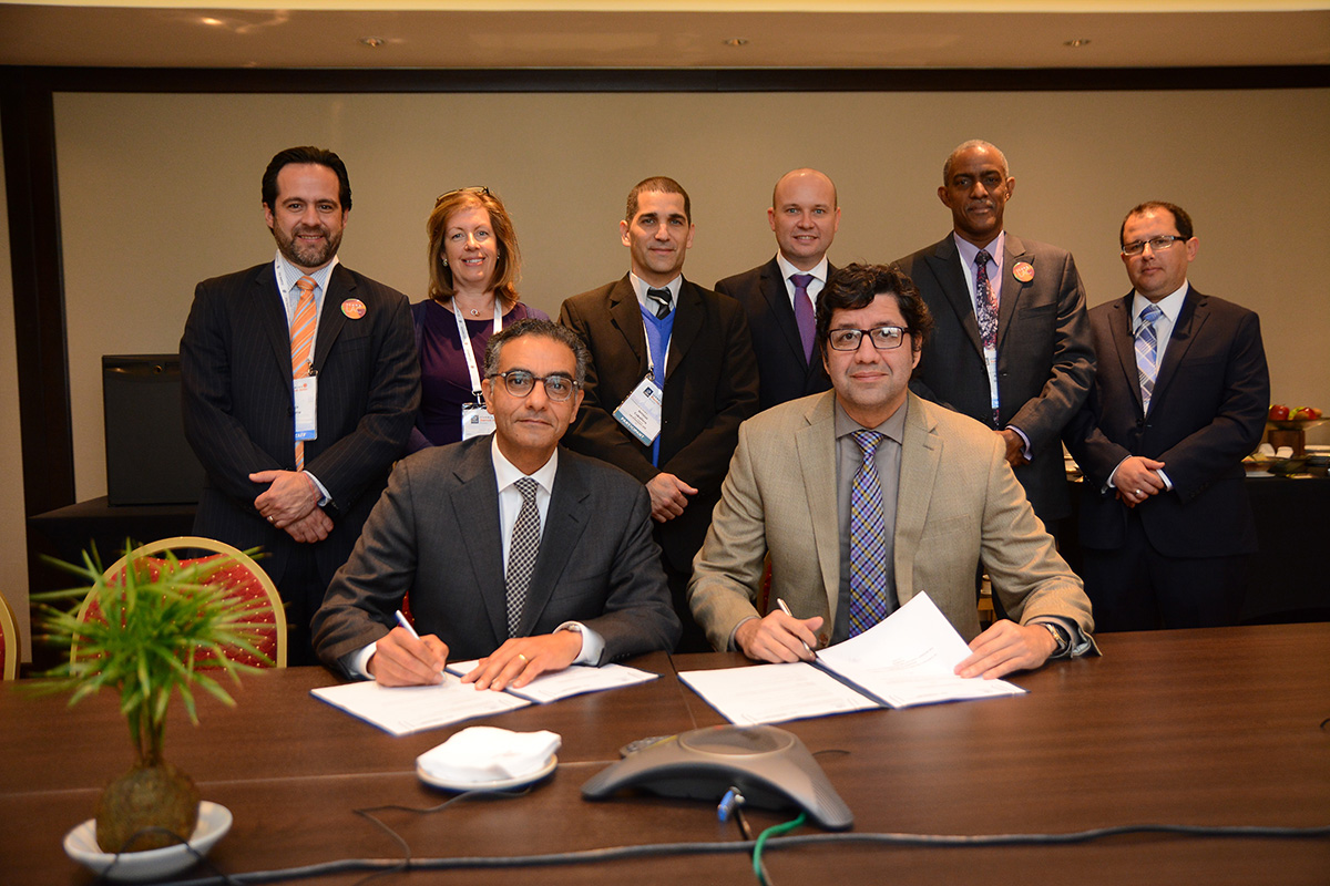 ICANN and Senatics Signing a Memorandum of Understanding